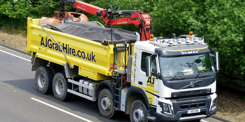 How Many Tonnes Can a Grab Lorry Move?